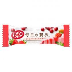 KitKat Luxury Strawberry Cheesecake & Berries Almond