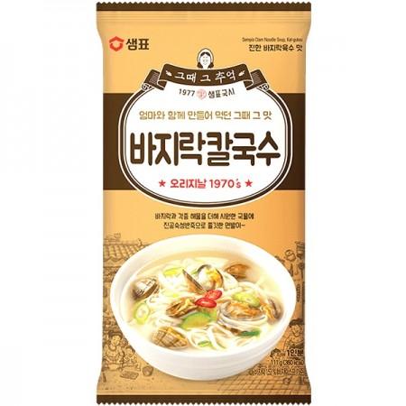 Sempio Clam Noodle Soup Kal-Guksu